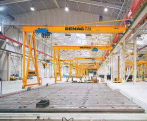 Single-girder semi-portal cranes