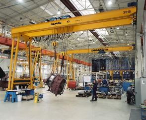 Double-girder semi-portal cranes