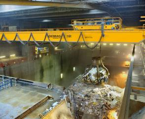 Two fully automated process cranes in 24/7 operation to serve a refuse bunker