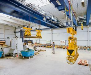 Process cranes for steel service centre